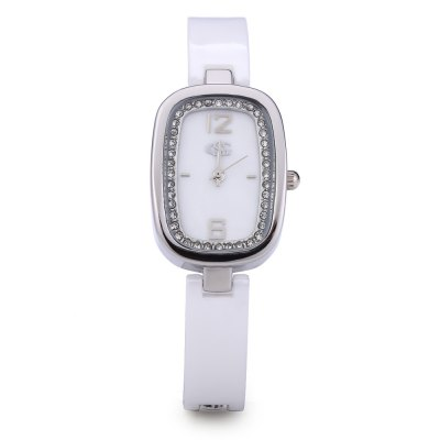 George Smith Female Quartz WatchWomens Watches<br>George Smith Female Quartz Watch<br><br>Watches categories: Female table<br>Movement type: Quartz watch<br>Shape of the dial: Rectangle<br>Display type: Analog<br>Case material: Stainless Steel<br>Band material: Stainless Steel<br>Clasp type: Hook buckle<br>The dial thickness: 10 mm<br>The dial diameter: 23 mm<br>The band width: 11 mm<br>Wearable length: 200 mm<br>The band length: 200 mm<br>Product weight: 0.041 kg<br>Package weight: 0.128 kg<br>Product size (L x W x H): 20.00 x 2.60 x 1.00 cm / 7.87 x 1.02 x 0.39 inches<br>Package size (L x W x H): 16.30 x 6.30 x 3.00 cm / 6.42 x 2.48 x 1.18 inches<br>Package Contents: 1 ? George Smith Female Quartz Watch, 1 ? Box, 1 ? English Manual