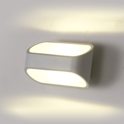 Modern Aluminum LED Wall Sconce Aile HallwayLiving room lighting<br>Modern Aluminum LED Wall Sconce Aile Hallway<br><br>Bulb Included: Yes<br>CCT/Wavelength: 3000K,4200K<br>Input Voltage: AC 220V<br>Luminous Flux: 200LM (L), 120LM (S)<br>Optional Light Color: Natural White,Warm White<br>Package Contents: 1 x Modern Wall Light<br>Package size (L x W x H): 17.00 x 11.00 x 10.00 cm / 6.69 x 4.33 x 3.94 inches<br>Package weight: 0.820 kg<br>Power Output: 5W (L), 3W (S)<br>Product size (L x W x H): 16.00 x 10.00 x 9.00 cm / 6.30 x 3.94 x 3.54 inches<br>Product weight: 0.700 kg<br>Quantity of Spots: 1<br>Shade Material: Aluminum<br>Type: Wall Light