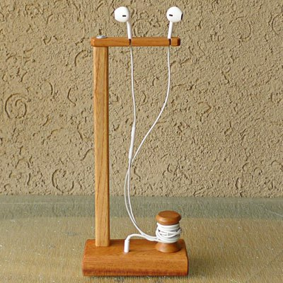 Indonesian Imported Solid Wood Earphones Stand