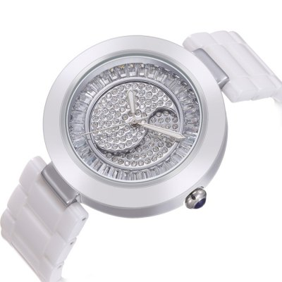 WEIQIN Simple Fashion Diamond Dial Women Quartz WatchWomens Watches<br>WEIQIN Simple Fashion Diamond Dial Women Quartz Watch<br><br>Brand: Weiqin<br>Watches categories: Female table<br>Watch style: Fashion<br>Available color: Rose Gold,Silver<br>Movement type: Quartz watch<br>Shape of the dial: Round<br>Display type: Analog<br>Case material: Alloy<br>Band material: Ceramic<br>Clasp type: Hidden clasp<br>Water resistance : 30 meters<br>Dial size: 4 x 4 x 0.96 cm / 1.57 x 1.57 x 0.38 inches<br>Band size: 19.8 x 1.8 cm / 7.8 x 0.71 inches<br>Product weight: 0.058 kg<br>Package weight: 0.118 kg<br>Product size (L x W x H): 19.80 x 4.00 x 0.96 cm / 7.8 x 1.57 x 0.38 inches<br>Package size (L x W x H): 28.00 x 8.00 x 3.50 cm / 11.02 x 3.15 x 1.38 inches<br>Package Contents: 1 x WEIQIN Simple Fashion Women Quartz Watch