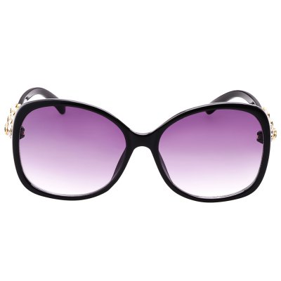 SENLAN 8115D01 SunglassesStylish Sunglasses<br>SENLAN 8115D01 Sunglasses<br><br>Brand: SENLAN<br>Model Number: 8115D01<br>Features: Anti-UV<br>Gender: Women<br>Lens material: PC<br>Frame Color: Black<br>Whole Length: 13.8cm<br>Lens width: 5.9cm<br>Lens height: 5.2cm<br>Ear-stems Length: 13.8cm<br>Nose bridge width: 1.6cm<br>Product weight: 0.034 kg<br>Package weight: 0.124 kg<br>Product Dimension: 13.80 x 5.20 x 4.00 cm / 5.43 x 2.05 x 1.57 inches<br>Package Dimension: 15.50 x 6.00 x 5.00 cm / 6.1 x 2.36 x 1.97 inches<br>Package Contents: 1 x SENLAN 8115D01 Sunglasses, 1 x Box, 1 x Cleaning Cloth