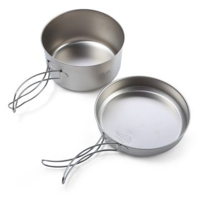 Fire - Maple Snow Ti4 Titanium PotBarbecue<br>Fire - Maple Snow Ti4 Titanium Pot<br><br>Brand: Fire Maple<br>Type: Tableware<br>Material: Titanium<br>Color: Titanium Grey<br>Best Use: Camping,Hiking<br>Features: Compact size,Durable,Easy to use,Foldable,Portable,Ultralight<br>Product weight: 0.146 kg<br>Package weight: 0.272 kg<br>Product Dimension: 14.00 x 14.00 x 8.00 cm / 5.51 x 5.51 x 3.15 inches<br>Package Dimension: 17.00 x 17.00 x 9.90 cm / 6.69 x 6.69 x 3.9 inches<br>Package Contents: 1 x Fire - Maple Snow Ti4 Pot, 1 x Fire - Maple Snow Ti4 Lid