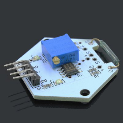 LDTR - 0002 Reed Switch Sensor ModuleSensors<br>LDTR - 0002 Reed Switch Sensor Module<br><br>Mainly Compatible with: Ardunio<br>Model: LDTR - 0002<br>Package Contents: 1 x LDTR - 0002 Reed Switch Sensor Module for Arduino<br>Package Size(L x W x H): 7.00 x 5.00 x 1.70 cm / 2.76 x 1.97 x 0.67 inches<br>Package weight: 0.019 kg<br>Product Size(L x W x H): 3.70 x 3.50 x 0.70 cm / 1.46 x 1.38 x 0.28 inches<br>Product weight: 0.003 kg<br>Type: Reed Switch Sensor Module