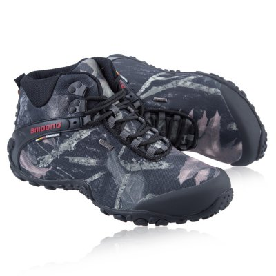 BAIDENG Male Camouflage High Boot Climbing ShoesAthletic Shoes<br>BAIDENG Male Camouflage High Boot Climbing Shoes<br><br>Available Size: 40, 41, 42, 43, 44, 45, 46<br>Brand: BAIDENG<br>Closure Type: Lace-Up<br>Color: Gray,Khaki<br>Features: Crashworthy, Durable, Anti-slip, Breathable<br>Gender: Men<br>Package Contents: 1 x Pair of Male Camouflage High Boot Climbing Shoes<br>Package size: 32.00 x 28.00 x 12.00 cm / 12.6 x 11.02 x 4.72 inches<br>Package weight: 1.300 kg<br>Product size: 27.00 x 8.00 x 10.00 cm / 10.63 x 3.15 x 3.94 inches<br>Season: Winter, Spring, Autumn<br>Sole Material: Rubber<br>Upper Height: High
