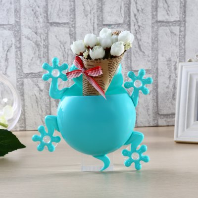 Y11 Gecko Shaped PP Toothbrush HolderToothbrush &amp; Accessories<br>Y11 Gecko Shaped PP Toothbrush Holder<br><br>Material: PP<br>Package Contents: 1 x Gecko Shaped Toothbrush Holder<br>Package size (L x W x H): 20.00 x 21.00 x 5.00 cm / 7.87 x 8.27 x 1.97 inches<br>Package weight: 0.133 kg<br>Product size (L x W x H): 18.00 x 19.00 x 4.00 cm / 7.09 x 7.48 x 1.57 inches<br>Product weight: 0.110 kg