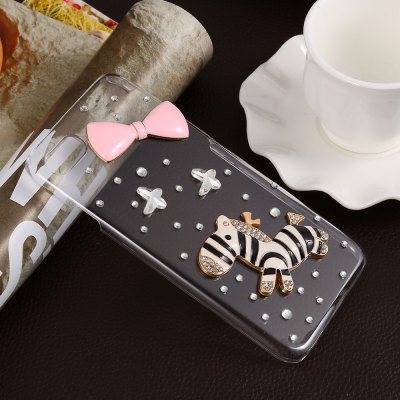 Phone Back Case Protector for iPhone 7iPhone Cases/Covers<br>Phone Back Case Protector for iPhone 7<br><br>Compatible for Apple: iPhone 7<br>Features: Anti-knock, Back Cover, Jewel Covered Cases<br>Material: PC<br>Package Contents: 1 x Case<br>Package size (L x W x H): 21.00 x 12.00 x 2.00 cm / 8.27 x 4.72 x 0.79 inches<br>Package weight: 0.057 kg<br>Product size (L x W x H): 13.80 x 7.00 x 1.00 cm / 5.43 x 2.76 x 0.39 inches<br>Product weight: 0.022 kg<br>Style: Diamond Look, Transparent