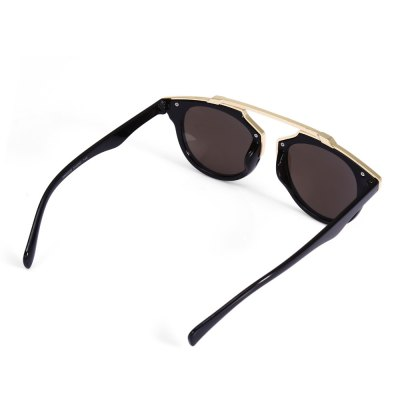 SENLAN 925 SunglassesStylish Sunglasses<br>SENLAN 925 Sunglasses<br><br>Brand: SENLAN<br>Model Number: 925<br>Features: Anti-UV<br>Gender: Unisex<br>Lens material: PC<br>Frame Metarial: Metal<br>Whole Length: 14.3cm<br>Lens width: 5.4cm<br>Lens height: 5.2cm<br>Ear-stems Length: 13.5cm<br>Nose bridge width: 1.7cm<br>Product weight: 0.032 kg<br>Package weight: 0.116 kg<br>Product Dimension: 14.30 x 13.50 x 5.20 cm / 5.63 x 5.31 x 2.05 inches<br>Package Dimension: 15.50 x 5.00 x 6.00 cm / 6.1 x 1.97 x 2.36 inches<br>Package Contents: 1 x SENLAN 925 Sunglasses, 1 x Box, 1 x Cleaning Cloth