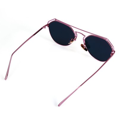 2102 UV-resistant Sunglasses with Metal Frame / PC LensStylish Sunglasses<br>2102 UV-resistant Sunglasses with Metal Frame / PC Lens<br><br>Ear-stems Length: 14cm<br>Features: Anti-UV<br>Lens height: 4.7cm<br>Lens width: 5.6cm<br>Nose bridge width: 2.1cm<br>Package Contents: 1 x 2102 Sunglasses, 1 x Box, 1 x Cleaning Cloth<br>Package Dimension: 15.50 x 6.00 x 5.00 cm / 6.1 x 2.36 x 1.97 inches<br>Package weight: 0.120 kg<br>Product Dimension: 14.60 x 14.00 x 4.70 cm / 5.75 x 5.51 x 1.85 inches<br>Product weight: 0.031 kg<br>Whole Length: 14.6cm
