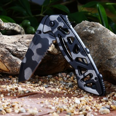 Pattern 3CR13Mov Stainless Steel Foldable Knife with Frame Lock