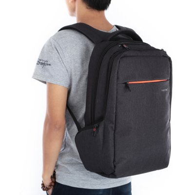 Tigernu T - B3130 15 inch Leisure BackpackBackpacks<br>Tigernu T - B3130 15 inch Leisure Backpack<br><br>Bag Capacity: 25L<br>Brand: TIGERNU<br>Capacity: 21 - 30L<br>For: Casual, Hiking, Other, Traveling<br>Material: Suiting, Polyester<br>Package Contents: 1 x TIGERNU T - B3130 Backpack<br>Package size (L x W x H): 37.00 x 32.00 x 10.00 cm / 14.57 x 12.6 x 3.94 inches<br>Package weight: 1.1340 kg<br>Product size (L x W x H): 48.00 x 31.00 x 19.00 cm / 18.9 x 12.2 x 7.48 inches<br>Product weight: 0.9000 kg<br>Type: Backpack