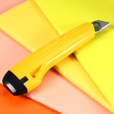 Deli 2041 Art KnifeShredders<br>Deli 2041 Art Knife<br><br>Brand: Deli<br>Color: Blue,Yellow<br>Package Contents: 1 x Deli 2041 Art Knife<br>Package size (L x W x H): 21.00 x 8.00 x 2.50 cm / 8.27 x 3.15 x 0.98 inches<br>Package weight: 0.100 kg<br>Product size (L x W x H): 16.00 x 4.70 x 1.50 cm / 6.3 x 1.85 x 0.59 inches<br>Product weight: 0.067 kg