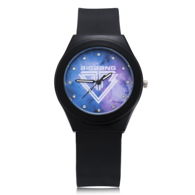 Fashion Rhinestone Scale Bigbang Logo Unisex Quartz WatchUnisex Watches<br>Fashion Rhinestone Scale Bigbang Logo Unisex Quartz Watch<br><br>People: Female table,Male table<br>Watch style: Fashion<br>Watch color: Black + Purple, White + Purple, White + Black, White<br>Shape of the dial: Round<br>Movement type: Quartz watch<br>Display type: Analog<br>Case material: Alloy<br>Band material: Silicone<br>Clasp type: Pin buckle<br>Dial size: 3.7 x 3.7 x 1 cm / 1.46 x 1.46 x 0.39 inches<br>Band size: 25.5 x 1.9 cm / 10.04 x 0.75 inches<br>Wearable length: 16.8 - 22.7 cm / 6.61 - 8.94 inches<br>Product weight: 0.042 kg<br>Package weight: 0.075 kg<br>Product size (L x W x H): 25.50 x 3.70 x 1.00 cm / 10.04 x 1.46 x 0.39 inches<br>Package size (L x W x H): 26.50 x 4.70 x 2.00 cm / 10.43 x 1.85 x 0.79 inches<br>Package Contents: 1 x Fashion Unisex Quartz Watch