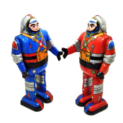 Vintage Walking Robot Tin Retro Mechanical Kid GiftClassic Toys<br>Vintage Walking Robot Tin Retro Mechanical Kid Gift<br><br>Nature: Robot<br>Materials: Metal<br>Appliable Crowd: Unisex<br>Specification: Chinese<br>Product weight: 0.120 kg<br>Package weight: 0.130 kg<br>Product size: 13.00 x 7.50 x 5.00 cm / 5.12 x 2.95 x 1.97 inches<br>Package size: 15.00 x 8.00 x 8.00 cm / 5.91 x 3.15 x 3.15 inches<br>Package Contents: 1 x Tin Toy