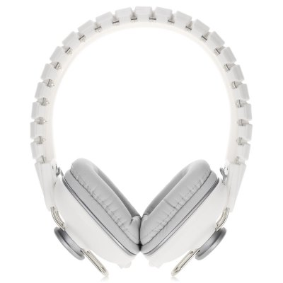Superlux HD581 Stereo Music HeadphonesEarbud Headphones<br>Superlux HD581 Stereo Music Headphones<br><br>Application: For iPod, Mobile phone, Computer<br>Brand: Superlux<br>Cable Length (m): 1.1m<br>Color: Black<br>Connecting interface: 3.5mm<br>Connectivity: Wired<br>Driver unit: 39mm<br>Frequency response: 20-20000Hz<br>Function: Answering Phone, Microphone<br>Impedance: 70ohms<br>Language: English<br>Material: Plastic<br>Model: HD581<br>Package Contents: 1 x Superlux HD581 Headphones, 1 x Cloth Pouch Bag, 1 x 3.5mm Jack Cable<br>Package size (L x W x H): 19.20 x 20.20 x 8.50 cm / 7.56 x 7.95 x 3.35 inches<br>Package weight: 0.3650 kg<br>Product size (L x W x H): 7.20 x 16.00 x 18.50 cm / 2.83 x 6.3 x 7.28 inches<br>Product weight: 0.1920 kg<br>Sensitivity: 102dB<br>Wearing type: Headband