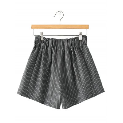 Loose pinstripe shorts for women