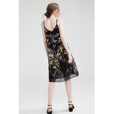Slim Chiffon Floral Print Female DressMini Dresses<br>Slim Chiffon Floral Print Female Dress<br><br>Dresses Length: Knee-Length<br>Material: Chiffon<br>Neckline: Spaghetti Strap<br>Occasion: Beach and Summer, Work, Party, Casual<br>Package Contents: 1 x Dress<br>Package size: 35.00 x 3.00 x 28.00 cm / 13.78 x 1.18 x 11.02 inches<br>Package weight: 0.3200 kg<br>Pattern Type: Floral<br>Product weight: 0.2800 kg<br>Season: Summer<br>Silhouette: Swing<br>Size: L,M,S,XL<br>Sleeve Length: Sleeveless<br>Style: Bohemian<br>With Belt: No