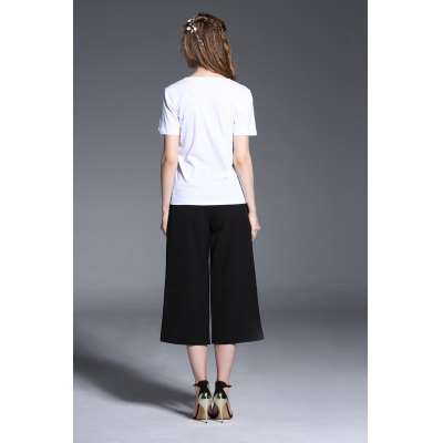 Solid Color V-neck Women T-shirtTees<br>Solid Color V-neck Women T-shirt<br><br>Clothing Length: Regular<br>Collar: V-Neck<br>Color: White<br>Material: Cotton<br>Package Contents: 1 x T-shirt<br>Package size: 29.00 x 29.00 x 2.00 cm / 11.42 x 11.42 x 0.79 inches<br>Package weight: 0.1700 kg<br>Pattern Type: Solid Color<br>Product weight: 0.1100 kg<br>Season: Summer<br>Size: L,M,S,XL<br>Sleeve Length: Short Sleeves<br>Style: Casual