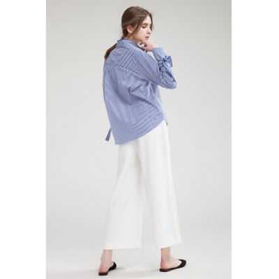 Loose Turn-down Collar Long Sleeve Blouse for WomenBlouses<br>Loose Turn-down Collar Long Sleeve Blouse for Women<br><br>Collar: Turn-down Collar<br>Elasticity: Nonelastic<br>Embellishment: Lace up<br>Material: Cotton<br>Package Content: 1 x Blouse<br>Package size (L x W x H): 35.00 x 4.00 x 26.00 cm / 13.78 x 1.57 x 10.24 inches<br>Package weight: 0.3600 kg<br>Product weight: 0.3000 kg<br>Season: Summer, Spring<br>Shirt Length: Regular<br>Sleeve Length: Long Sleeves<br>Style: Fashion