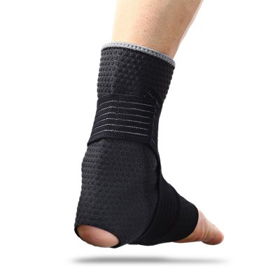 Outdoor Basketball Football Nylon Ankle Guard SupportSports Protective Gear<br>Outdoor Basketball Football Nylon Ankle Guard Support<br><br>Package Content: 1 x Ankle Pad<br>Package size: 18.00 x 14.00 x 2.00 cm / 7.09 x 5.51 x 0.79 inches<br>Package weight: 0.0950 kg<br>Product weight: 0.0750 kg<br>Target User: Unisex<br>Type: Ankle Support