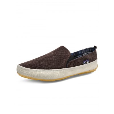 Slip-on Casual Men Canvas ShoesCasual Shoes<br>Slip-on Casual Men Canvas Shoes<br><br>Color: Brown,Deep Blue,Green,Red<br>Contents: 1 x Pair of Shoes<br>Materials: Canvas, Rubber<br>Occasion: Daily, Casual<br>Package Size ( L x W x H ): 33.00 x 22.00 x 11.00 cm / 12.99 x 8.66 x 4.33 inches<br>Package Weights: 0.380kg<br>Pattern Type: Solid<br>Seasons: Autumn,Spring,Summer<br>Size: 39,40,41,42,43,44<br>Style: Leisure<br>Type: Casual Shoes