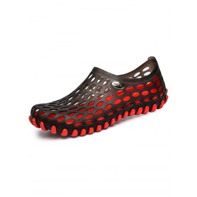 Hollow Out Breathable Beach Slippers Men Sandals