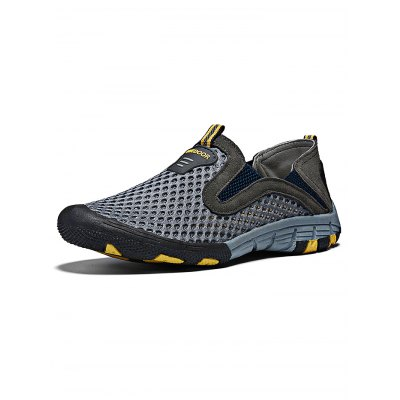 Men  Breathable Mesh Sports ShoesCasual Shoes<br>Men  Breathable Mesh Sports Shoes<br><br>Contents: 1 x Pair of Shoes<br>Materials: Mesh, Rubber<br>Occasion: Casual, Daily, Dress<br>Package Size ( L x W x H ): 33.00 x 22.00 x 11.00 cm / 12.99 x 8.66 x 4.33 inches<br>Package Weights: 0.88kg<br>Seasons: Summer<br>Style: Leisure, Comfortable<br>Type: Casual Shoes