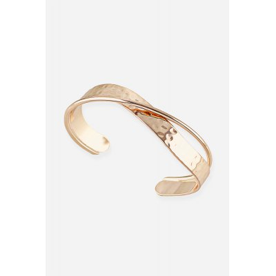 Woman Fashion Metal Overlapping BraceletBracelets &amp; Bangles<br>Woman Fashion Metal Overlapping Bracelet<br><br>Gender: Woman<br>Material: Alloy<br>Occasions: Casual, Personalized Photo, Performance, Party, Gift<br>Package Contents: 1 x Bracelet, 1 x Package Box<br>Package size (L x W x H): 8.80 x 8.80 x 2.00 cm / 3.46 x 3.46 x 0.79 inches<br>Package weight: 0.0640 kg<br>Product weight: 0.0170 kg<br>Style: Fashion