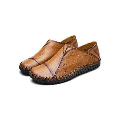 Handmade Slip-on Casual Men Leather ShoesMen's Oxford<br>Handmade Slip-on Casual Men Leather Shoes<br><br>Contents: 1 x Pair of Shoes<br>Materials: Leather<br>Occasion: Casual, Daily<br>Package Size ( L x W x H ): 34.00 x 23.00 x 12.00 cm / 13.39 x 9.06 x 4.72 inches<br>Package Weights: 0.98KG<br>Seasons: Autumn,Spring,Summer<br>Style: Leisure, Fashion, Comfortable<br>Type: Casual Shoes