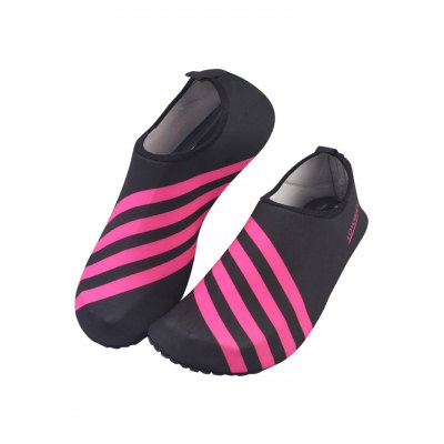 Flexible Quick-drying Beach Sandals for MenMens Sandals<br>Flexible Quick-drying Beach Sandals for Men<br><br>Contents: 1 x Pair of Shoes<br>Materials: EVA, Fabric, TPE<br>Occasion: Daily, Casual<br>Package Size ( L x W x H ): 28.00 x 15.00 x 3.00 cm / 11.02 x 5.91 x 1.18 inches<br>Package Weights: 0.230kg<br>Seasons: Summer<br>Style: Leisure<br>Type: Sandals