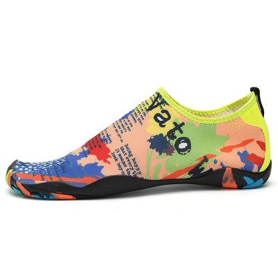 Men Casual Diving / Beach ShoesCasual Shoes<br>Men Casual Diving / Beach Shoes<br><br>Contents: 1 x Pair of Shoes<br>Materials: Fabric, Rubber<br>Occasion: Casual<br>Package Size ( L x W x H ): 33.00 x 24.00 x 13.00 cm / 12.99 x 9.45 x 5.12 inches<br>Package Weights: 0.42kg<br>Seasons: Summer<br>Style: Comfortable<br>Type: Casual Shoes