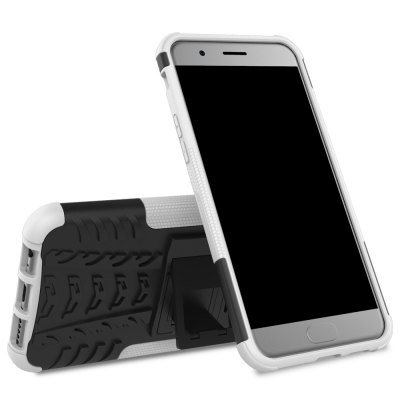 Luanke 3D Relief Kickstand Cover Case Protector for OnePlus 5Cases &amp; Leather<br>Luanke 3D Relief Kickstand Cover Case Protector for OnePlus 5<br><br>Brand: Luanke<br>Compatible Model: OnePlus 5<br>Features: Anti-knock, Back Cover, Cases with Stand<br>Material: PC, TPU<br>Package Contents: 1 x Phone Case<br>Package size (L x W x H): 21.50 x 13.00 x 2.90 cm / 8.46 x 5.12 x 1.14 inches<br>Package weight: 0.0850 kg<br>Product Size(L x W x H): 16.40 x 8.30 x 1.40 cm / 6.46 x 3.27 x 0.55 inches<br>Product weight: 0.0550 kg<br>Style: Modern, Pattern, Cool