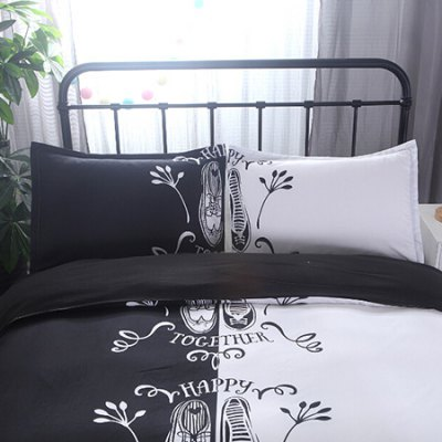 3-piece Bedding Set Lovers Shoes PatternBedding Sets<br>3-piece Bedding Set Lovers Shoes Pattern<br><br>Package Contents: 1 x Duvet Cover, 2 x Pillowcase<br>Package size (L x W x H): 30.00 x 24.00 x 7.00 cm / 11.81 x 9.45 x 2.76 inches<br>Package weight: 1.1500 kg<br>Product weight: 1.1000 kg<br>Style: Romantic / Wedding<br>Type: Double