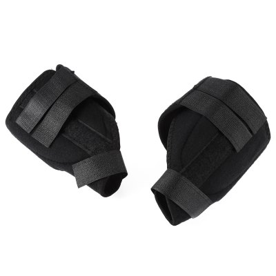 One Pair Bunion Splint Foot Care CorrectorBraces &amp; Supports<br>One Pair Bunion Splint Foot Care Corrector<br><br>Package Contents: 1 x Pair of Bunion Splint Foot Care Correcting Straps<br>Package size (L x W x H): 16.00 x 10.00 x 3.00 cm / 6.3 x 3.94 x 1.18 inches<br>Package weight: 0.0790 kg<br>Product size (L x W x H): 33.00 x 14.00 x 1.00 cm / 12.99 x 5.51 x 0.39 inches<br>Product weight: 0.0490 kg