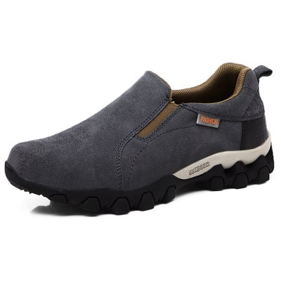 Men Suede Shoes for Climbing / HikingMen's Sneakers<br>Men Suede Shoes for Climbing / Hiking<br><br>Contents: 1 x Pair of Shoes<br>Materials: Rubber, Suede<br>Occasion: Casual<br>Package Size ( L x W x H ): 33.00 x 22.00 x 11.00 cm / 12.99 x 8.66 x 4.33 inches<br>Package Weights: 0.87kg<br>Seasons: Autumn,Spring,Summer<br>Style: Leisure, Comfortable<br>Type: Hiking Shoes