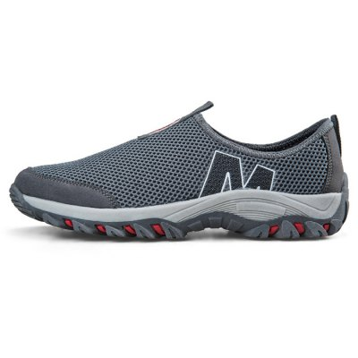 Light Weight Mesh Leisure Shoes for MenCasual Shoes<br>Light Weight Mesh Leisure Shoes for Men<br><br>Closure Type: Slip-On<br>Contents: 1 x Pair of Shoes<br>Materials: Rubber, Suede, Mesh<br>Occasion: Casual, Sports, Daily<br>Outsole Material: Rubber<br>Package Size ( L x W x H ): 33.00 x 22.00 x 11.00 cm / 12.99 x 8.66 x 4.33 inches<br>Package Weights: 0.67kg<br>Seasons: Autumn,Spring,Summer<br>Style: Leisure, Comfortable<br>Type: Casual Shoes