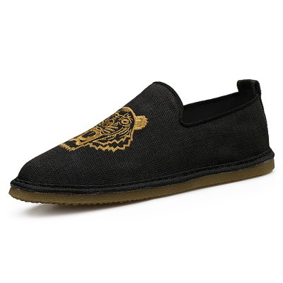 Tiger Embroidered Vintage Fabric Shoes for MenCasual Shoes<br>Tiger Embroidered Vintage Fabric Shoes for Men<br><br>Closure Type: Slip-On<br>Contents: 1 x Pair of Shoes<br>Materials: TPR, Linen<br>Outsole Material: TPR<br>Package Size ( L x W x H ): 33.00 x 22.00 x 11.00 cm / 12.99 x 8.66 x 4.33 inches<br>Package Weights: 0.77kg<br>Pattern Type: Animal<br>Seasons: Summer<br>Type: Casual Shoes<br>Upper Material: Cloth