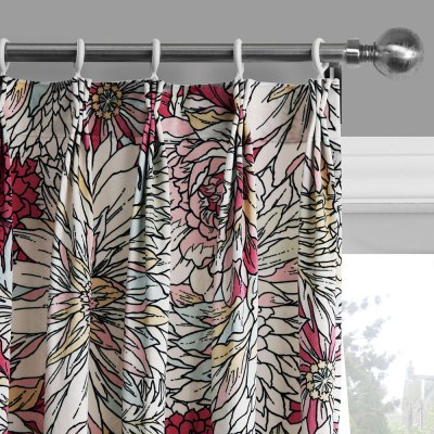 Ink-jet Printing Showy Flowers Window Curtain 52W x 63LWindow Treatments<br>Ink-jet Printing Showy Flowers Window Curtain 52W x 63L<br><br>Category: Curtain<br>For: All<br>Material: Polyester fibre<br>Occasion: Bedroom, Living Room<br>Package Contents: 1 x Window Curtain Panel, 1 x Tieback<br>Package size (L x W x H): 70.00 x 50.00 x 2.50 cm / 27.56 x 19.69 x 0.98 inches<br>Package weight: 1.0300 kg<br>Product weight: 0.8000 kg