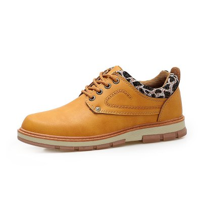 Microfiber Leather All-match Shoes for MenMen's Oxford<br>Microfiber Leather All-match Shoes for Men<br><br>Closure Type: Lace-Up<br>Contents: 1 x Pair of Shoes<br>Materials: Microfiber, Rubber<br>Occasion: Casual, Daily<br>Outsole Material: Rubber<br>Package Size ( L x W x H ): 33.00 x 22.00 x 11.00 cm / 12.99 x 8.66 x 4.33 inches<br>Package Weights: 0.95kg<br>Seasons: Autumn,Spring<br>Style: Casual<br>Type: Casual Shoes