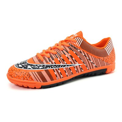 Male Slip Resistance Wearable Leather Soccer SneakersMen's Sneakers<br>Male Slip Resistance Wearable Leather Soccer Sneakers<br><br>Closure Type: Lace-Up<br>Contents: 1 x Pair of Shoes<br>Decoration: Stripe<br>Function: Antistatic<br>Materials: Leather, TPR<br>Occasion: Sports, Soccer, Running, Outdoor Clothing<br>Outsole Material: TPR<br>Package Size ( L x W x H ): 33.00 x 22.00 x 11.00 cm / 12.99 x 8.66 x 4.33 inches<br>Package Weights: 0.72kg<br>Pattern Type: Stripe<br>Seasons: Autumn,Spring<br>Style: Modern, Leisure, Fashion, Comfortable<br>Toe Shape: Round Toe<br>Type: Sports Shoes<br>Upper Material: Leather