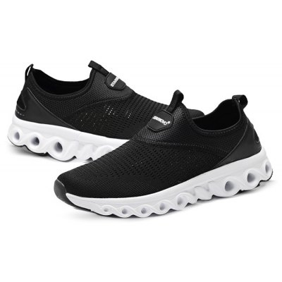 Male Breathable Hollow Mesh Slip On Leisure Shoes