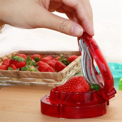 1 Pc Red Strawberry Slicer Plastic Fruit Carving Tools Salad Cutter Berry Cake Decoration