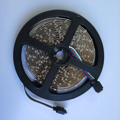 1PCS 5M 16.4FT Flexible RGB LED Strip Light 300SMD 3528 Not Waterproof DC5V