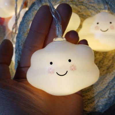 Battery-Powered Smiley Clouds String Light for Home and Garden Decoration 10 LEDs and 1.65m